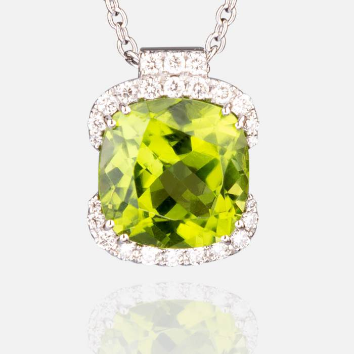 Gld necklace with peridot